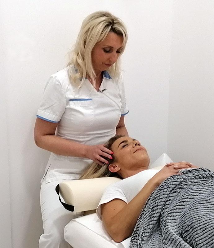 Aromaterapeutska masaža glave