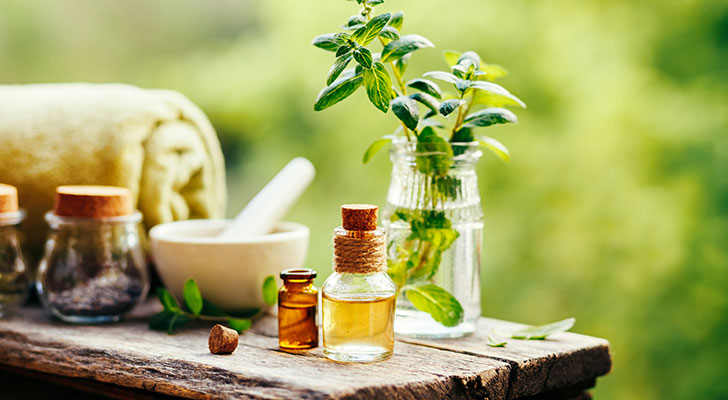 Tretmani eteričnim uljima